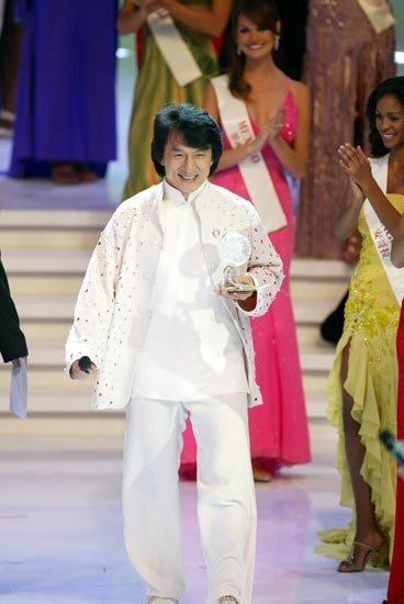 Jackie Chan Membre d'Honneur du Jury Miss World 2003